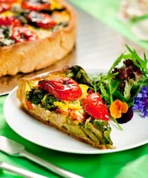 Tarte aux légumes confits et herbes aromatiques