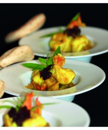 Mise en bouche : gambas au curry, fougasse aux tomates sechées