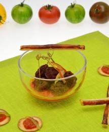Tapas autour de la tomate : albondigas en croûte de tomate, allumettes à la tomate, pan con tomate