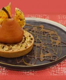Tartelette cœur fondant au caramel d'Isigny, poire Williams et girofle